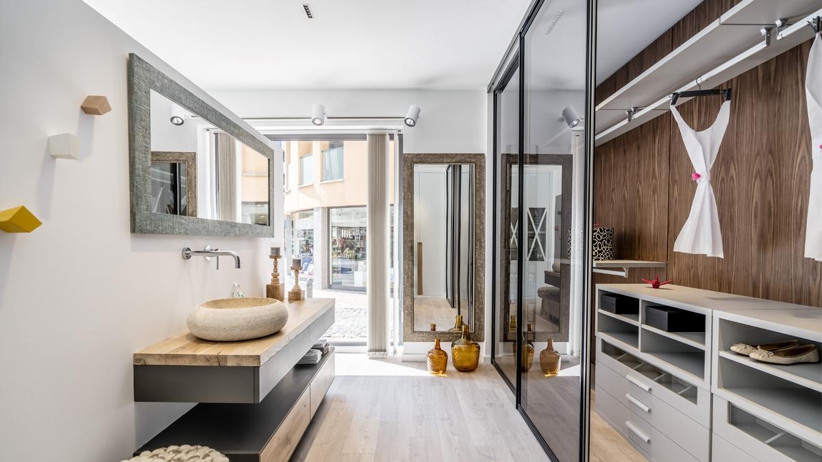 vestidor amb portes de vidre corredisses